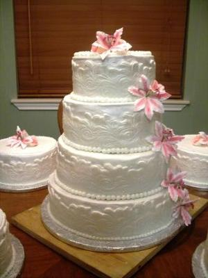 Lily Wedding Cakes | http://www.cake-decorating-corner.com/