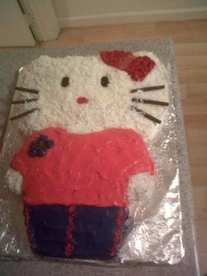 hello kitty deluxe cake