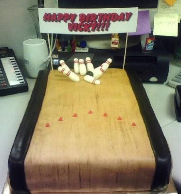 Bowling Cakes | http://www.cake