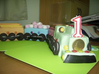 oreo wheels on train cake