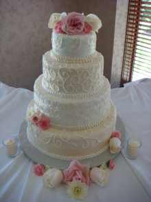 white swirl wedding cake