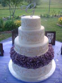 lavender rose wedding cake