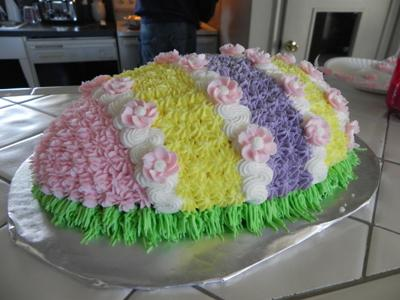 Cake Decorated With Easter Eggs : Easter Cakes http://www.cake-decorating-corner.com/
