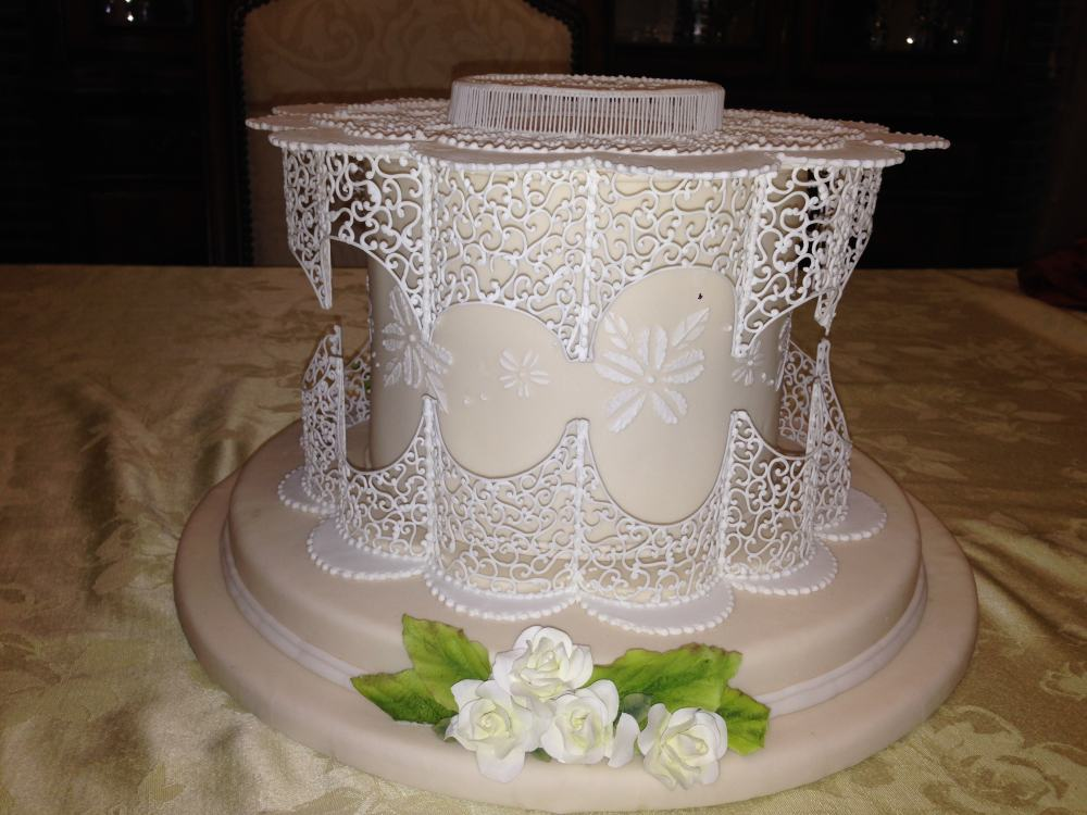Royal Icing Cake Decorating Designs : Filigree Box Class with Dawn Parrott http://www.cake ...