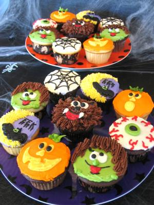 Halloween friends cupcakes