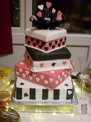 Pink and Black Wedding Cakes | http://www.cake-decorating-corner.com/