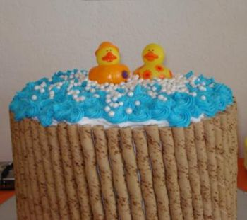 cake with rubber ducks