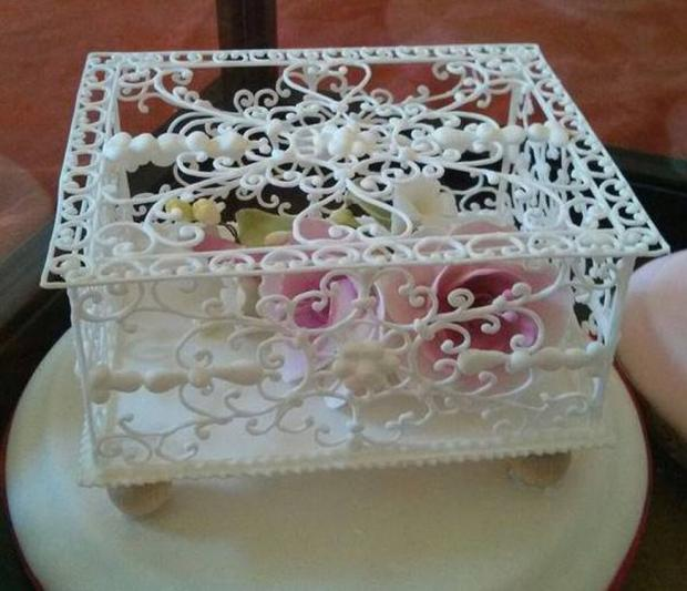 Cake Decorating Icing And A Cake Box : Filigree Box Class with Dawn Parrott http://www.cake ...