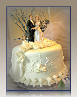 White Wedding Cakes | http://www.cake-decorating-corner.com/